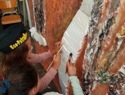 Pintura das placas de esferovite (pedras).